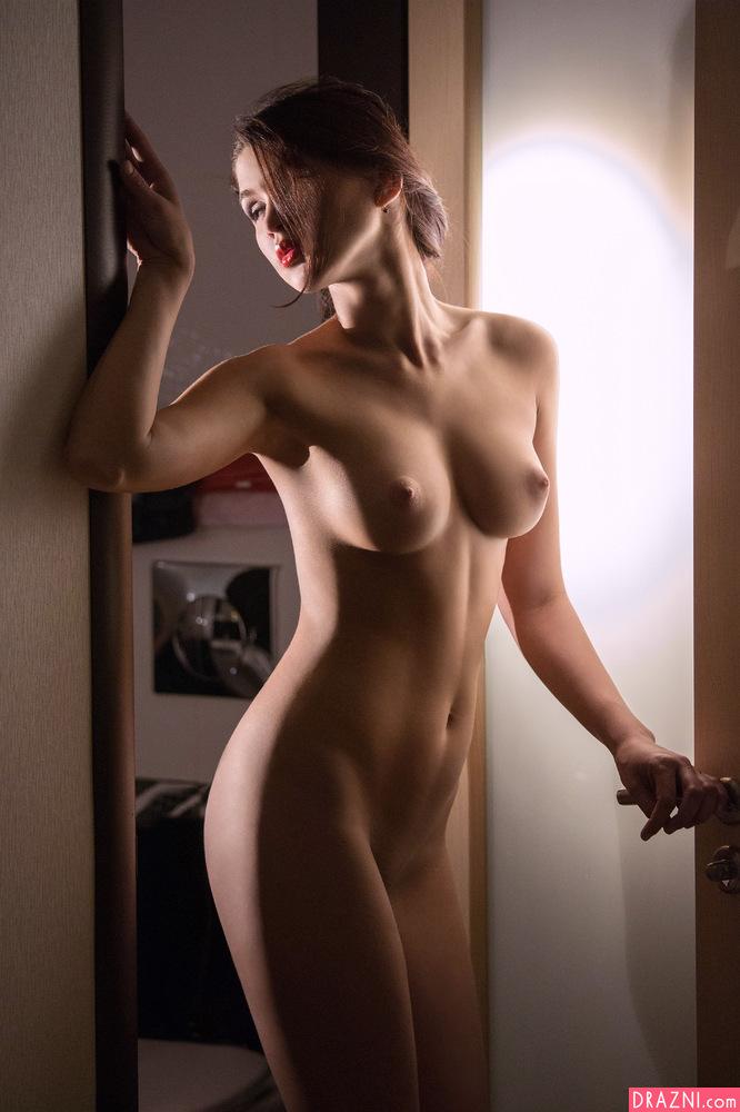Фотомодели голые нагие натуре фото 17-282