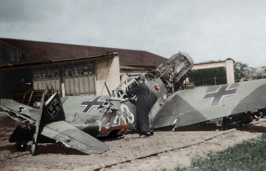 Bf109_JG54_Krasnogwardeisk_1942.jpg