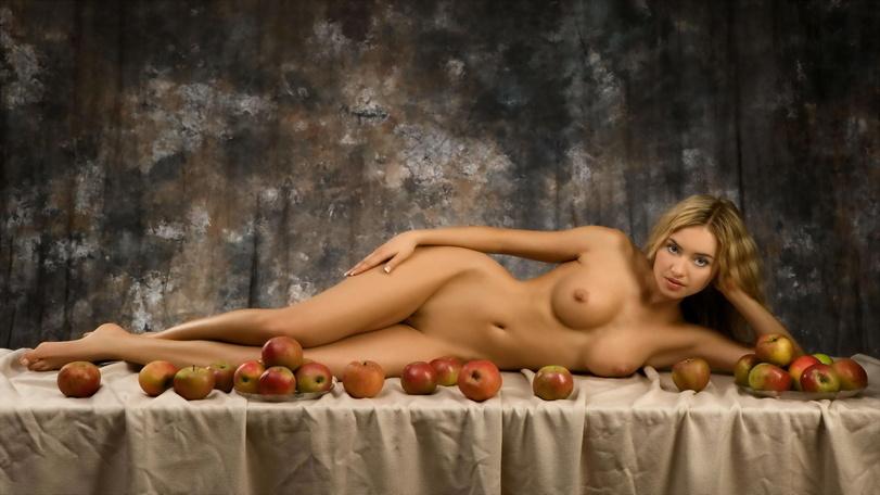 Фотосессии еротичиские голых девушек