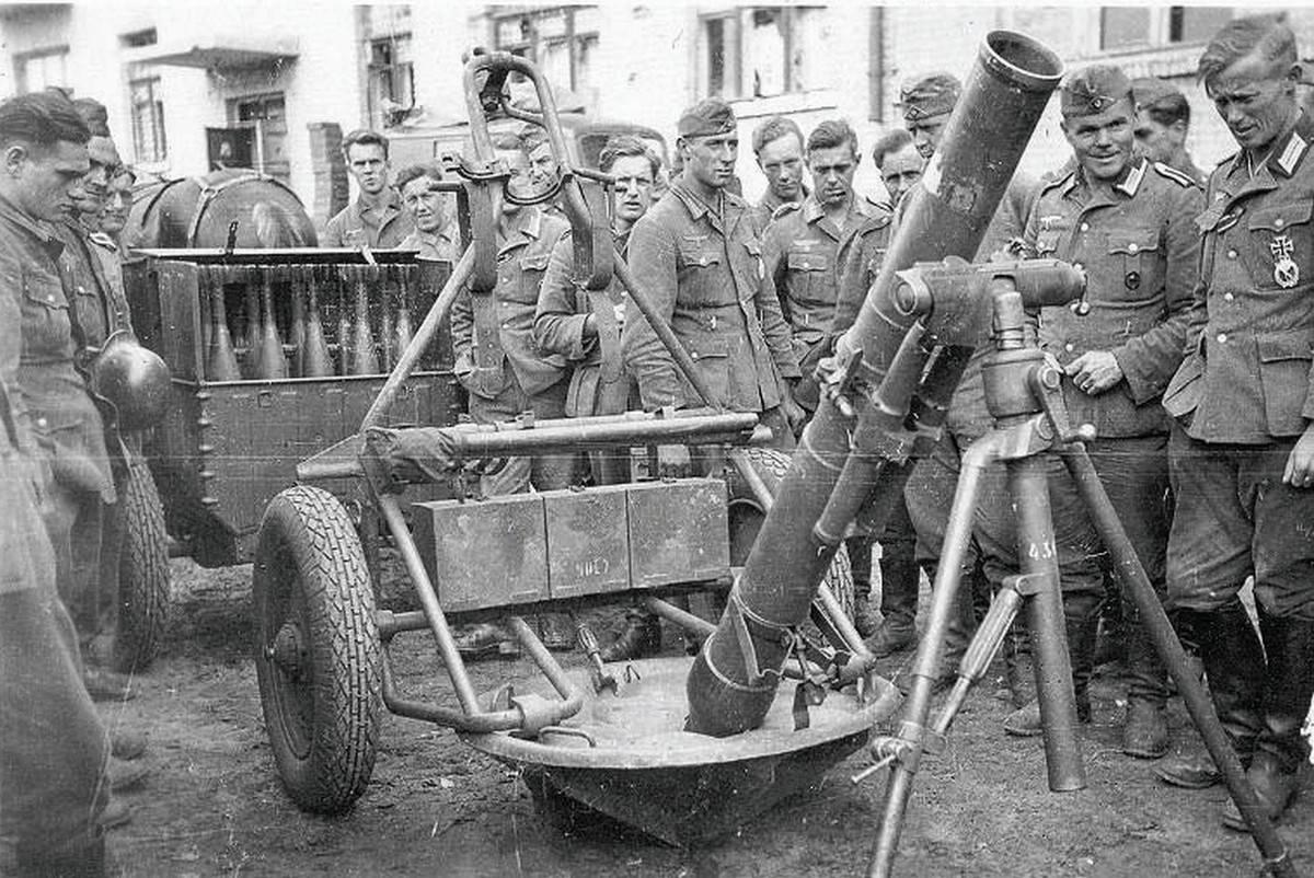 F0-У-захваченного-советского-120-мм-миномета-М-38 (1).jpg