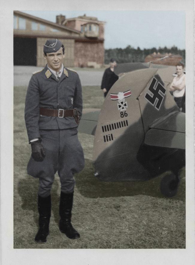 H_Phillip_Krasnogwardeisk_1942_2.jpg
