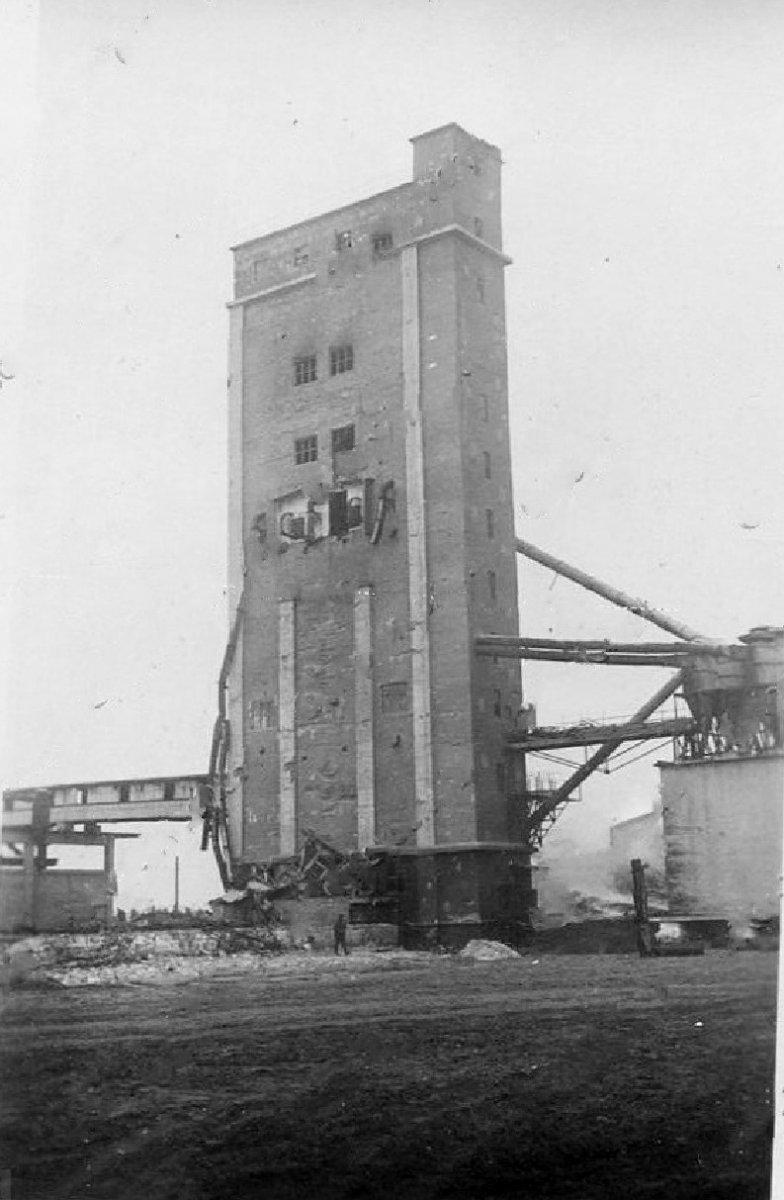 Кременчуг Зерновой элеватор 1941-1943 г..jpg