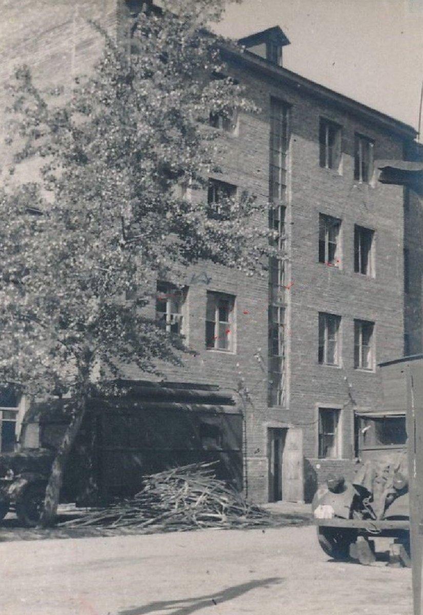 Кременчуг Жилой дом (Krementschuk Ukraine) 1943 г..jpg