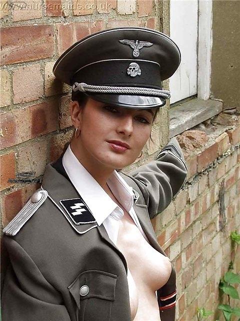 porno-foto-v-forme-nemetskoy-tolstuhi-seks-anal-foto