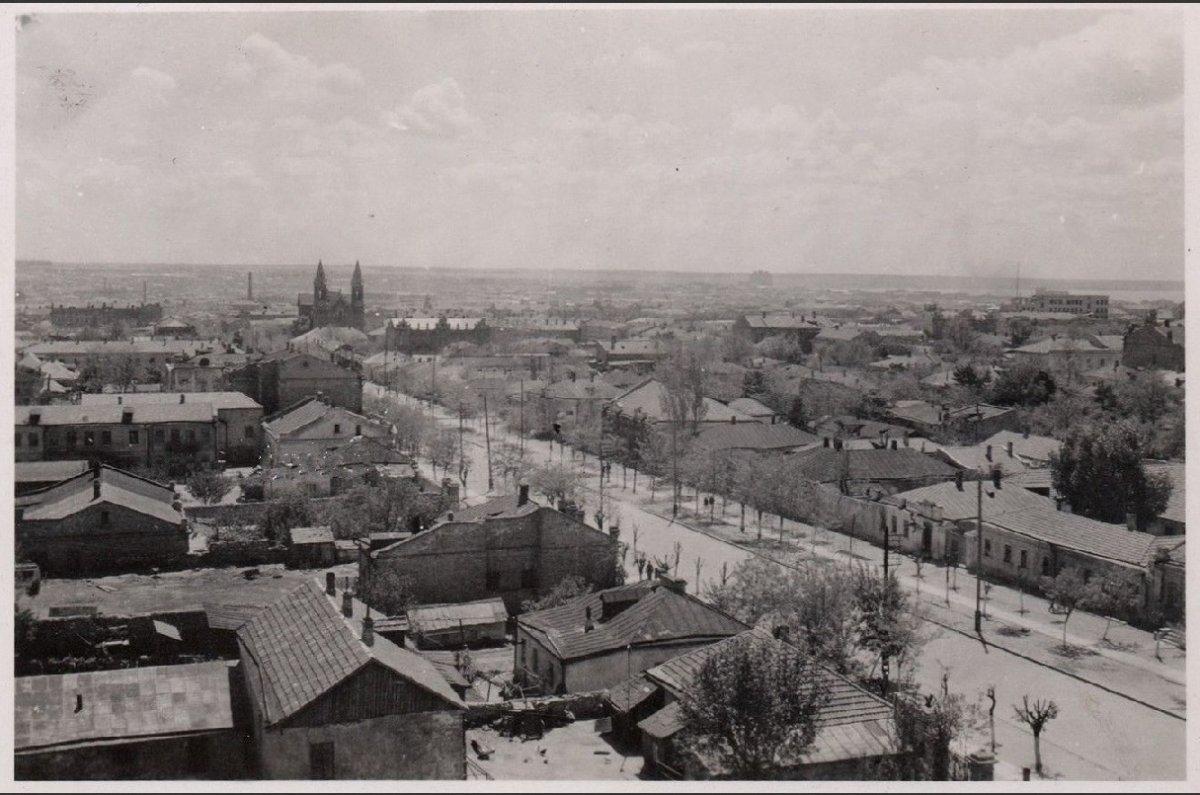 Николаев Общий вид - вдали кирха 1941-1943 г.-.jpg