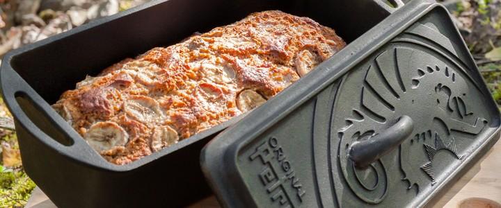 petromax_k4-Loaf_Pan_with_banana_bread.jpg