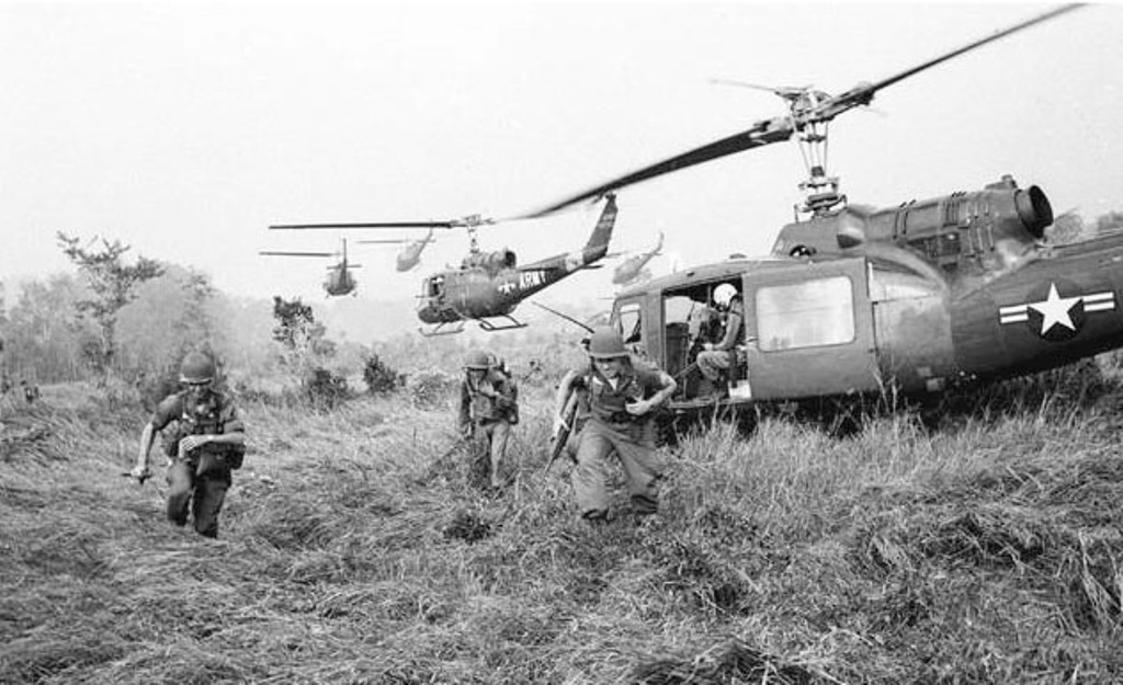 an analysis of the united states and the republic of vietnam in the vietnam war Analysis of america's longest war: the united states in vietnam the reports in this novel are prefaced with a quote by robert shaplen, which sums up the feelings of those americans involved in the vietnam conflict.
